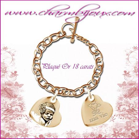 Bracelet 2 Coeurs penchés Plaqué Or avec gravure Photo OFFERTE - Gravure date- Gravure symbole - Plaqué or 18 carats